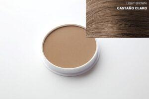Castanha-clara de maquiagem capilar
